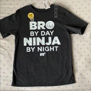 5-for $20 👕 BNWT Glow-in-dark Super soft Tshirt